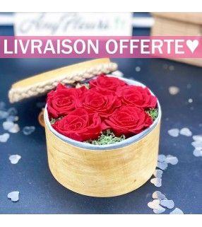 Boite 6 Roses Rouges Éternelles de haute qualité dans son écrin en bois et délicatement parfumées. AnyFleurs.fr