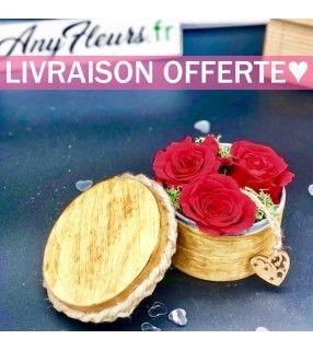 Boite 3 Roses Rouges Éternelles de haute qualité dans son écrin en bois et délicatement parfumées. AnyFleurs.fr