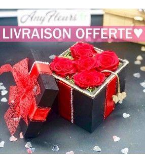 Coffret 5 Roses Rouges Éternelles de haute qualité dans son écrin en bois et délicatement parfumées. AnyFleurs.fr