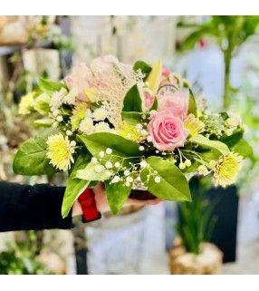 "Coupe Printanière Pivoines et roses roses "" Tendre Mai"". Anyfleurs.fr"