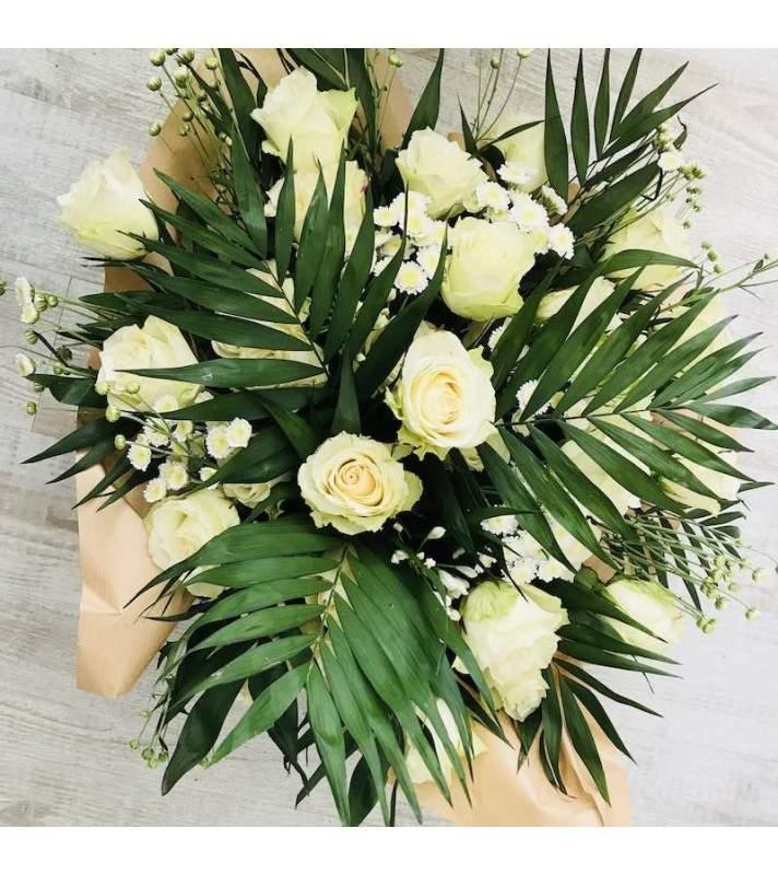 """Bouquet rond blanc """"Câlin"""". AnyFleurs.fr"""