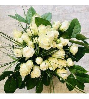 """Bouquet Roses Blanches """"Douceur nacrée"""". AnyFleurs.fr"""