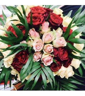 """Bouquet Rond de Roses rouges et roses """"Opulent"""". AnyFleurs.fr"""