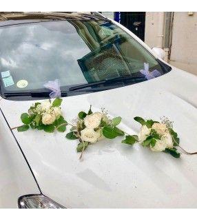 Déco capot de voiture pour mariage. AnyFleurs.fr