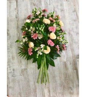 "Gerbe Main Pastel rose et blanche ""Respect"". AnyFleurs.fr"