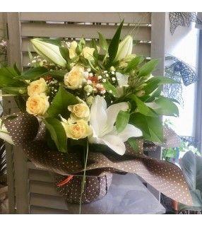 """Bouquet Orangé et jaune:""""Lili"""". AnyFleurs.fr"""