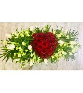 """Coussin Blanc Coeur Rouge avec Roses rouges gros boutons""""Pour la Vie"""". AnyFleurs.fr"""